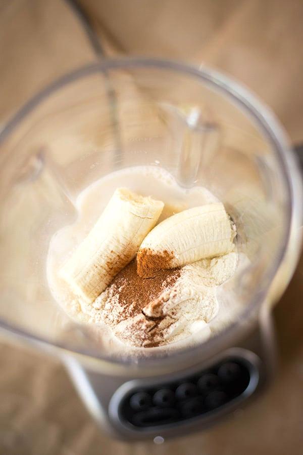 Receita de vitamina de banana proteica