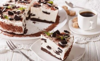 Bolo Cheesecake de Oreo - Extremamente Fácil