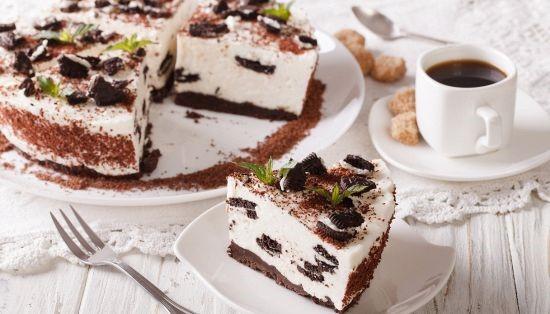 Bolo cheesecake de Oreo